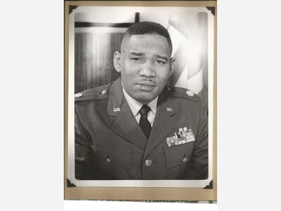 Tuskegee Airman dies under guardianship, son finds military uniform on the street